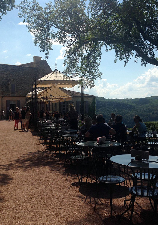 Take a drink break or dine al fresco and soak up the stunning views.